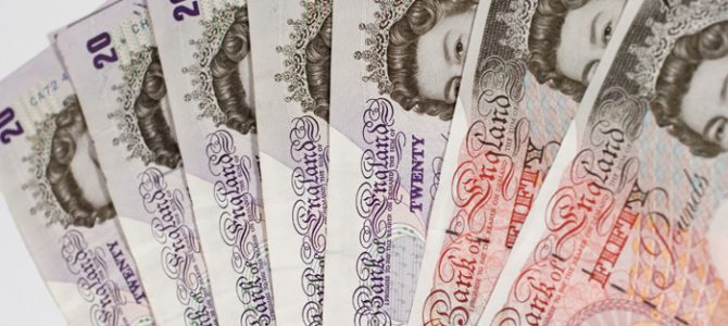 money-notes-currency-gbp-pounds-7002